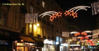 Lindependantdu4e_illumination_de_noel_2007_rue_rambuteau_img_8493_2[1]