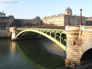 Lindependantdu4e_pont_notre_dame_IMG_1285