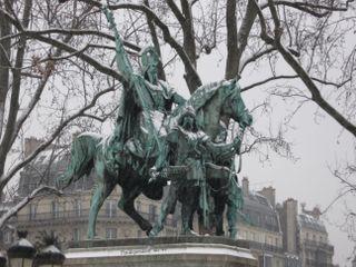 Lindependantdu4e_statue_de_charlemagne_IMG_9933