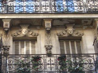 Lindependantdu4e_rue_sainte_croix_39_detail_IMG_7559