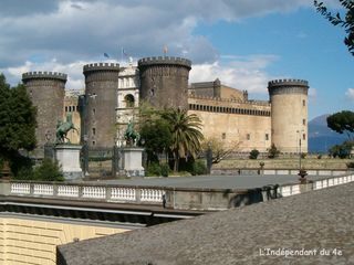 Lindependantdu4e_naples_chateau_angevin_0030HPIM6597