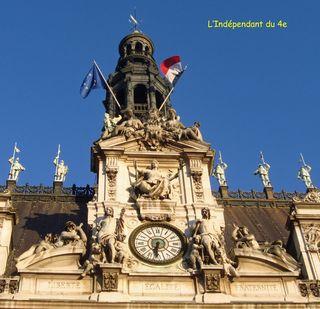 Lindependantdu4e_hotel_de_ville_symboles_republique_IMG_2825 copie