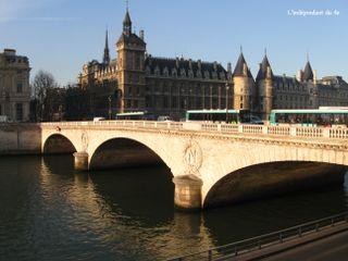 Lindependantdu4e_pont_au_change_IMG_1294
