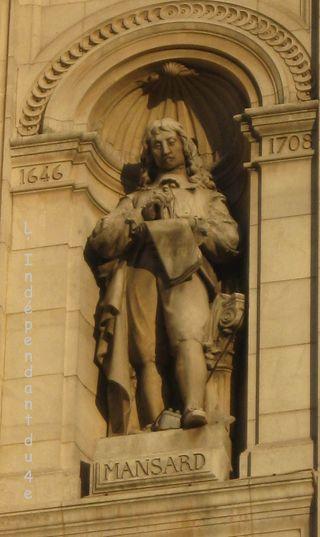 Lindependantdu4e_hotel_de_ville_statue_mansart_IMG_2814
