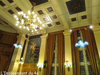 Lindependantdu4e_mairie_4e_bouteilles_IMG_0781