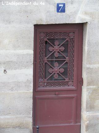 Lindependantdu4e_rue_des_ursins_7_IMG_0121