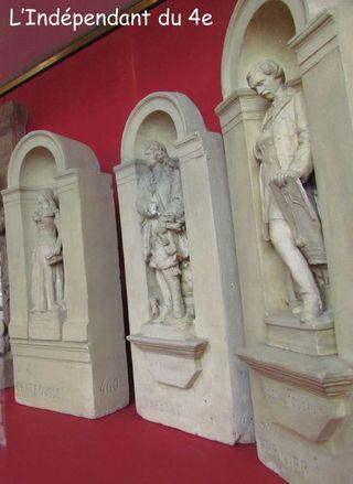 Lindependantdu4e_hotel_de_ville_statues_IMG_9754