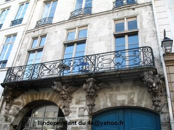 Lindependantdu4e_rue_saint_antoine_