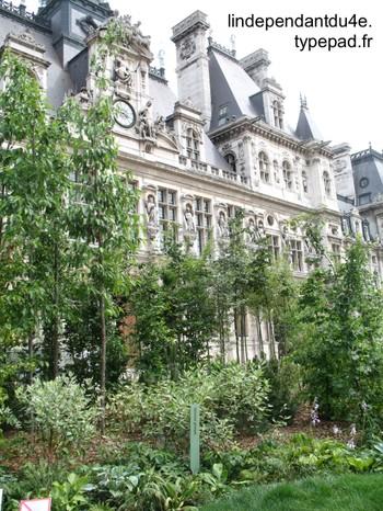 Lindependantdu4e_place_hotel_de_v_3