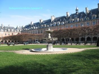 Lindependantdu4e_place_des_vosges_i